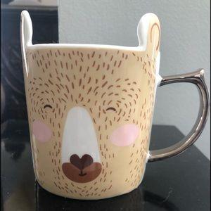 Bear mug. Smiling with pink cheeks.